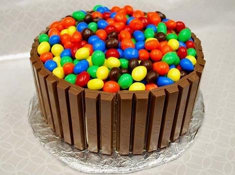tartas infantiles cumpleaños kitkat