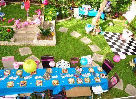 cumpleanos alicia en el pais de las maravillas jardin mesas
