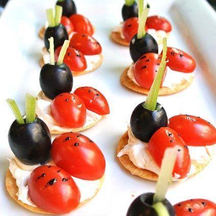 tostadas tomate mariquitas detalle