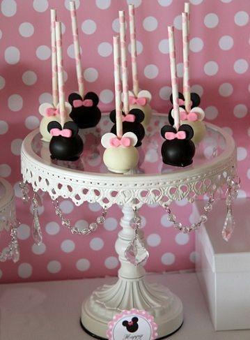 segundo cumpleanos minnie mouse cake pops