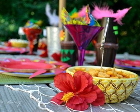 fiesta-hawaiana-ninos-pina.jpg