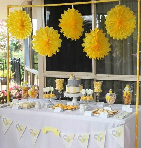 Ni rosa ni azul un bautizo casero en color amarillo for Decoracion fiesta bautizo