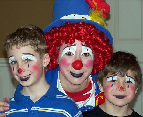 Très Adorable model for clown face paint | face paint | Pinterest  AQ26
