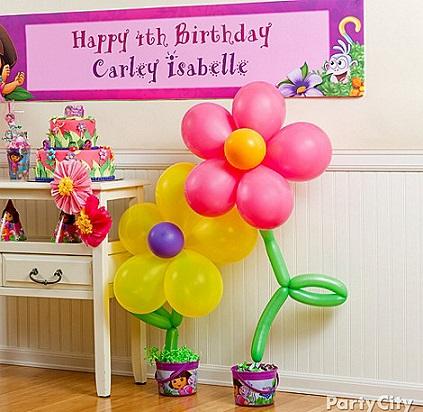 Cómo hacer flores con globos para fiestas infantiles