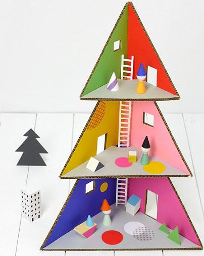 C mo hacer una casita de mu ecas de cart n con forma de - Como hacer un arbol de navidad de carton ...
