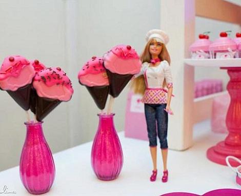 fiesta barbie muñeca