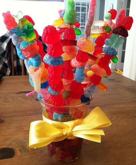 mesa cumpleaños infantil gominolas
