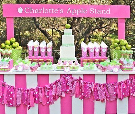 fiesta cumpleanos manzana mesa