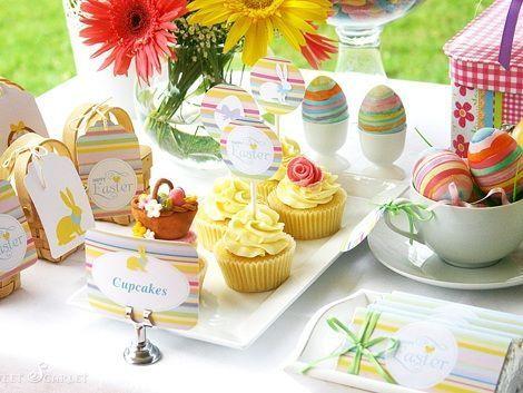 fiesta pascua mesa cakes