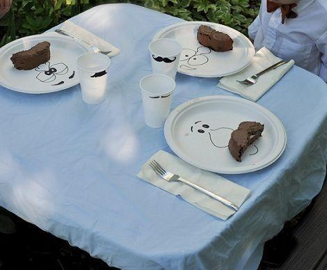 tarta cumpleanos bigote mesa