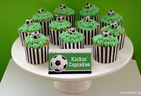 fiesta cumpleanos futbol cupcakes
