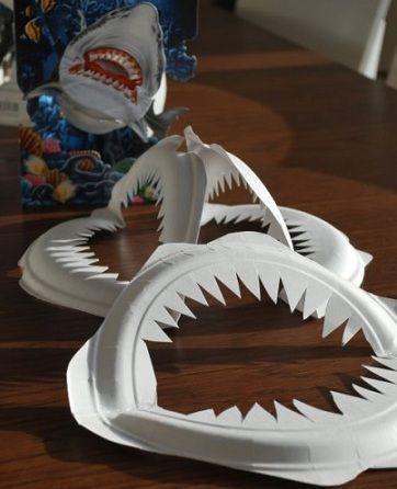 manualidades platos plastico tiburon