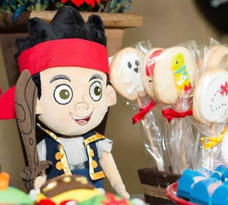 muñecos de jake y los piratas de nunca jamás