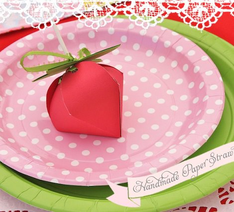 platos de cumpleaños de tarta de fresa