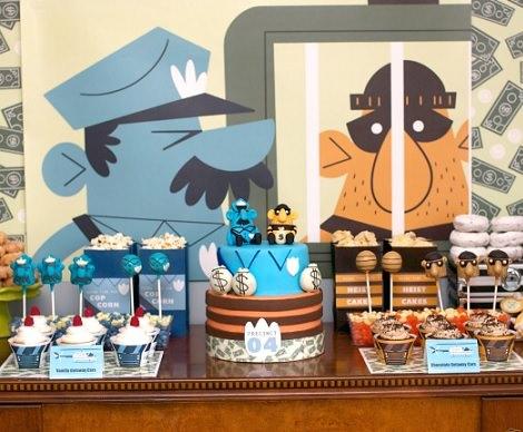 mesa para una fiesta infantil de cumpleaños de policías