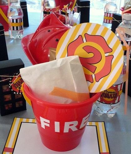 Ideas f ciles para celebrar un cumplea os infantil de bomberos for Regalos para fiestas de cumpleanos infantiles