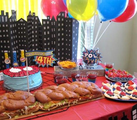 decoración para una fiesta de cumpleaños de superhéroes