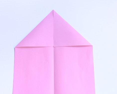 avión de papel para niños