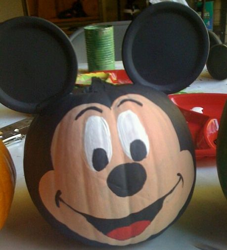 calabaza decorada de mickey mouse