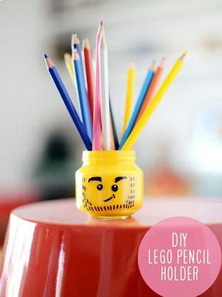cómo hacer un lapicero casero de Lego