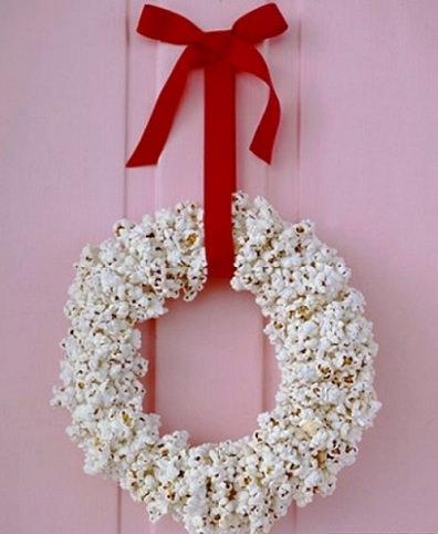 corona de navidad con chuches para hacer con los niños