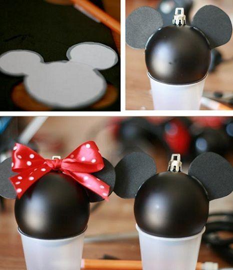 Bola de navidad de mickey mouse for Adornos navidenos mickey mouse