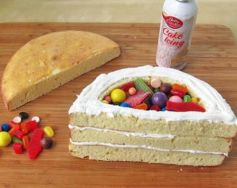 como hacer una tarta pinata con forma de arcoiris